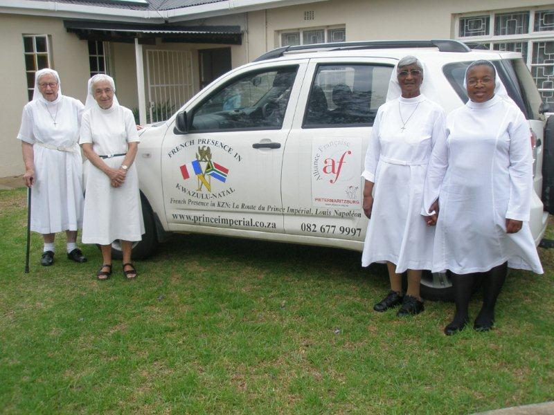 Sr Michael (90 yrs old and 50 yrs in the Pomeroy community and who was awarded the medal of La Légion d'Honneur in 1998 for her outstanding community work), Sr Madeline I/C the convent and clinic, Sr Maureen & Sr Bongiwe